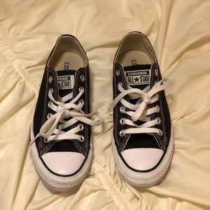 Black & White Converse Lowcut